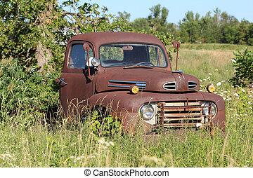 antika gamla, rosta, lastbil
