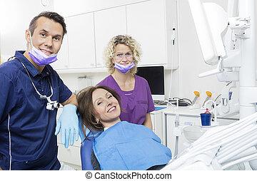 assistent, klinik, tålmodig, tandläkare