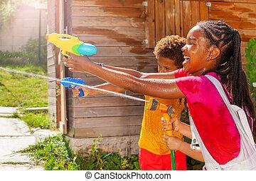 avbild, lek, vatten, flicka, handling, gevär, filma