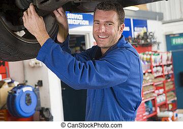 bil, le, mekaniker, arbete, under