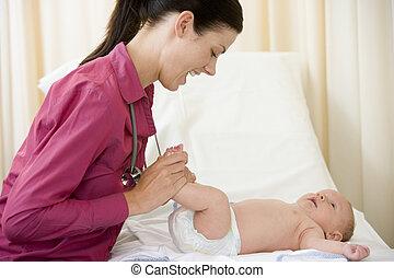 checkup, examen, läkare, ge sig, baby, le, rum