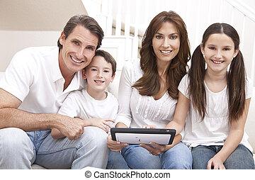 familj, kompress, dator, användande, nöje, hem, ha, lycklig