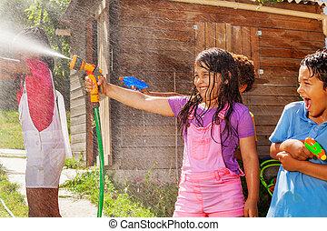 filma, sprinkler, gevär strid, vatten, lek, flicka