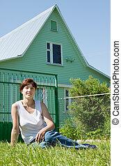 främre del, kvinna, gräsmatta, hem, lycklig