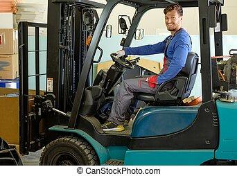 gaffeltruck transportera, man, lager, drivande