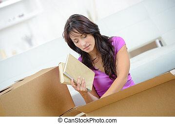 golv, fyllda, böcker, rutor, vit, trä, papp