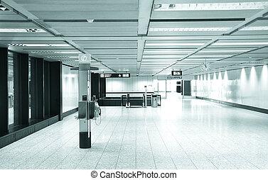 inre, flygplats