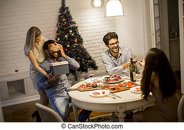 jul, kvinna, helgdagsafton, färsk, gåva, älskande, eller, fik, år, ung man