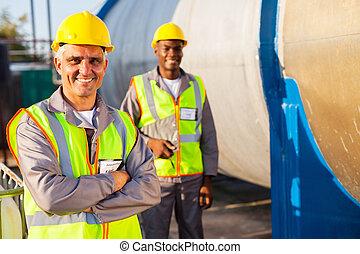 kollega, arbetare, senior, petroleum, fabrik