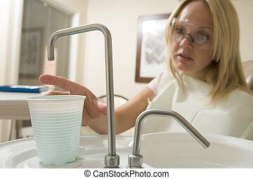 kvinna, examen, nå, dental, vatten, rum