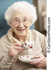 kvinna, kopp, te, hem, senior, avnjut