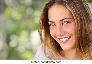 kvinna, le, vitna, perfekt, vacker