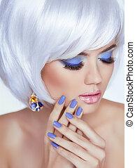 kvinna, skönhet, foto, fingernagel, manikyrera, makeup., hår, kort, portrait., blond, lips., professionell, vit, mode, style., sensuell