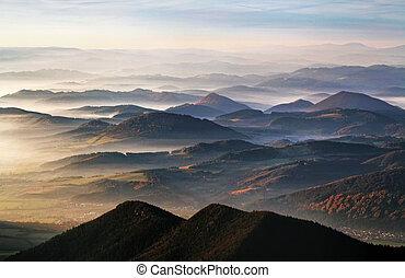 många, mist, bergstopp