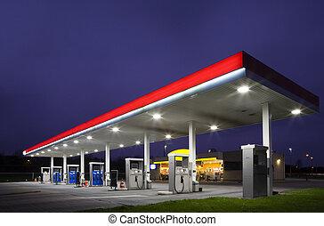 natt, bensinstation