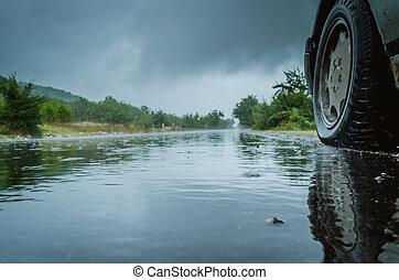 road., baksida, vattenplaning, specificera, bil, traffic., väg, drivande, regna, hjul, våt