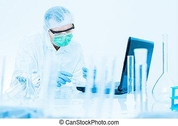skyddande, undersöka, flytande, arbete, rör, maskera, labb, mössa, forskare, pröva