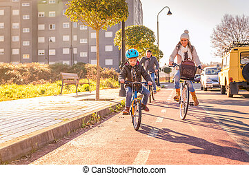 stad, bicycles, ridande, familj, barn
