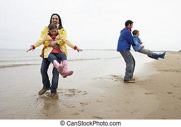 strand, leka, familj