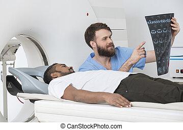 tålmodig, bildläsare, radiolog, visande, röntga, lögnaktig, connecticut
