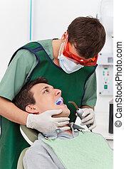 tandläkare, tålmodig, besökande