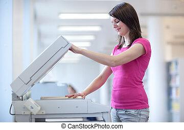 toned, image), kvinna, färg, (shallow, ung, maskin, dof;, nätt, användande, avskrift