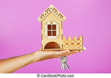 trähus, liten, rosa, stämm, bakgrund., hand