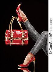 väska, röd skor