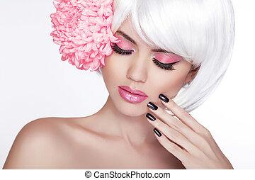 vacker, perfekt, kvinna, kvinnlig, lila, skönhet, face., smink, bakgrund, isolerat, manikyrera, flower., henne, frisk, blond, kurort, skin., stående, vit, rörande, nails.