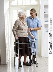 vandrande, kvinna, carer, ram, äldre, portion, användande, senior